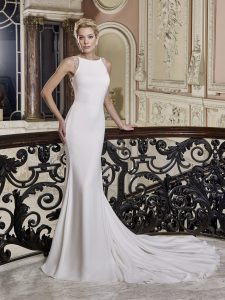 bridal gown atheltic body shape