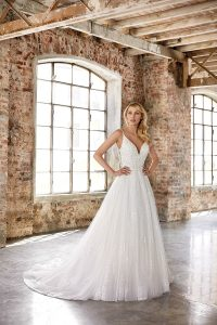 bridal gown for pear shape